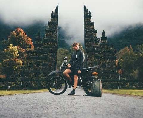 Selagi Masih Muda, Inilah Alasan Mengapa Kamu Harus Solo Traveling Ke Bali Sekali Seumur Hidup