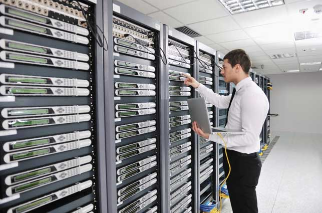 Tips Merawat Rack Server dan Pusat Data